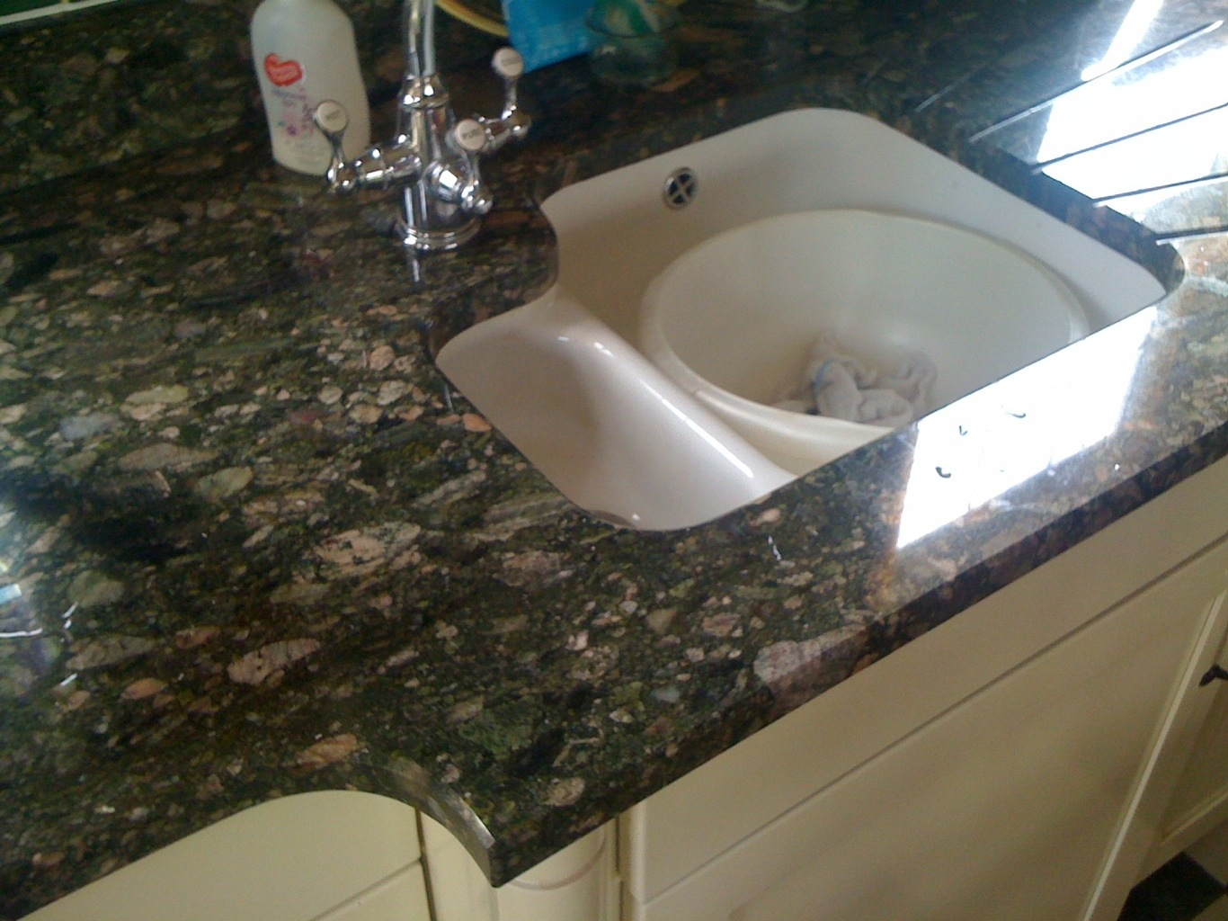 Franke Granite : Below is a small selection of Franke sink cut outs we have produced ...