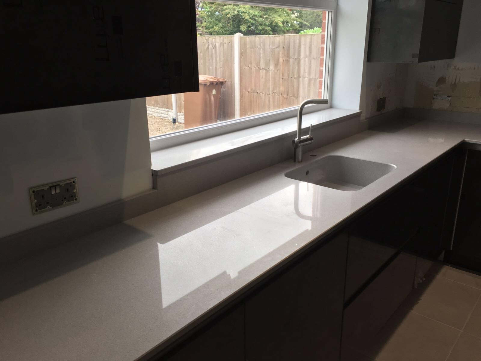 Silestone integrity sink with recess drainer - Seamsetters Used By Our Installers