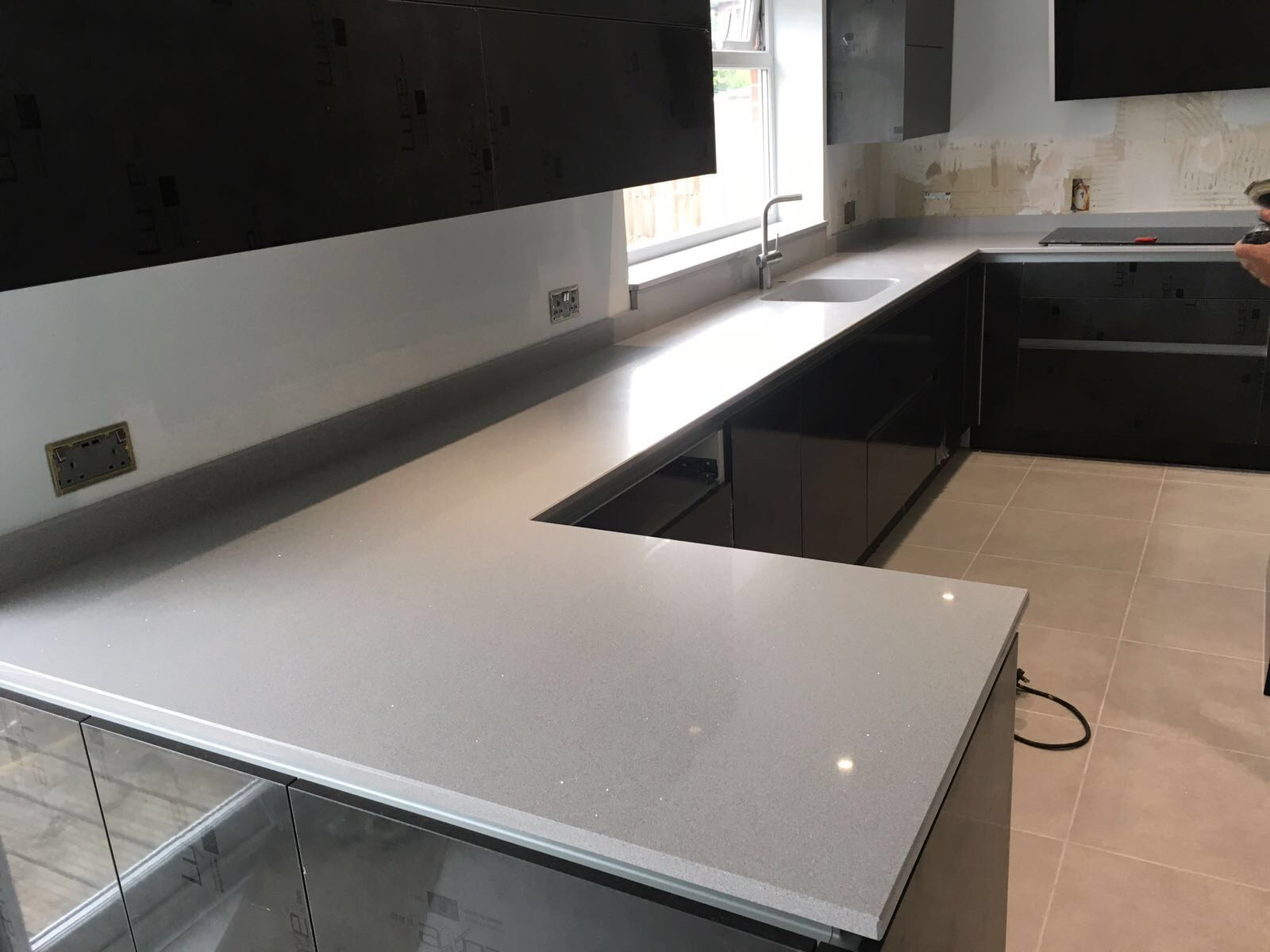 Silestone integrity sink with recess drainer - Another Very Important Factor Is That Of The Joining Of Stone Or Quartz Worktops And That It Is Done Correctly Utilising The Best Equipment And Procedures